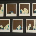 Manipolazione di Polaroid - sette istantanee su fondo nero, 32x50